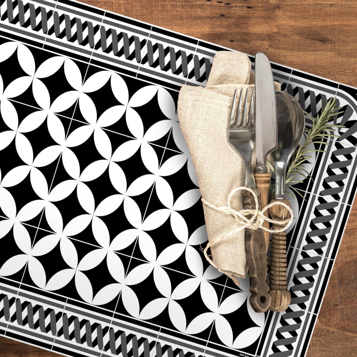 set de table carreaux de ciment louison noir 35x50cm. Black Bedroom Furniture Sets. Home Design Ideas